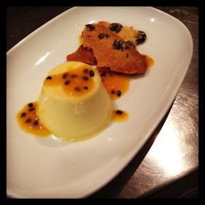 vanilla-passion-fruit-panna-cotta