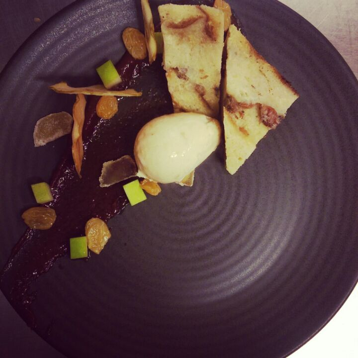 Spiced bread and butter pudding CN
