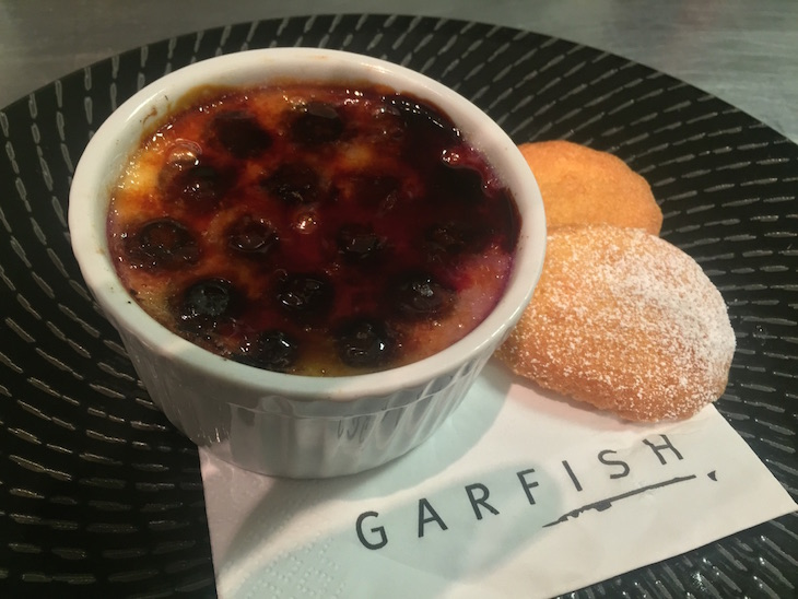 Blueberry creme brulee M