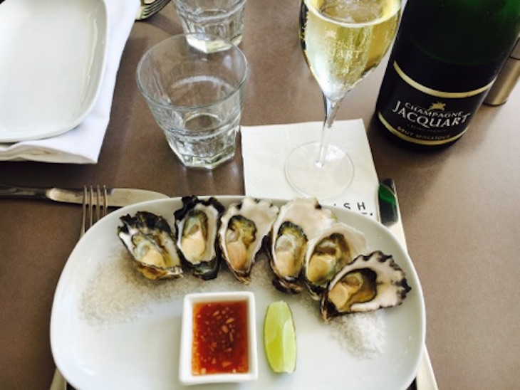 Weekday oyster special at Crows Nest and Kirribilli