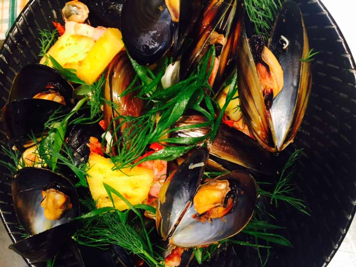 steamed-spring-bay-mussels